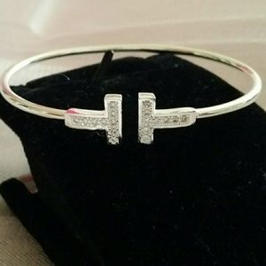 Jewelry - 🦄Brand new 925 silver T bangle🦄